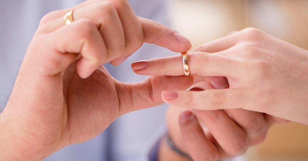 婚活中はココに注意してサイトを選ぼう!