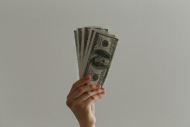 本当に結婚相談所の料金は高いのか?