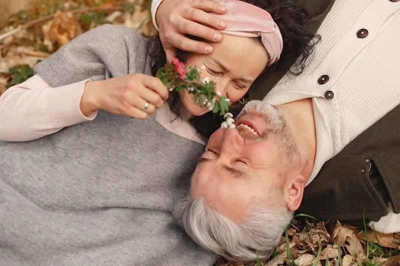 60代・シニア世代が婚活を成功させる4つのコツ